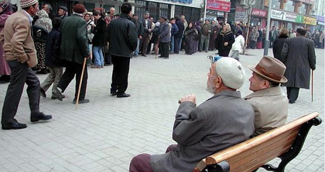 Korona salgınında yaşlı erkeklerde risk daha fazla