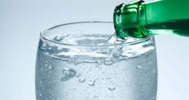 Uzmandan evde beslenme önerileri: Günde 1 maden suyu..