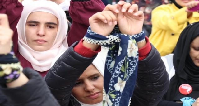 Suriyeli kadınlar nasıl bir savaş ve ataerkillik ile mücadele ediyor