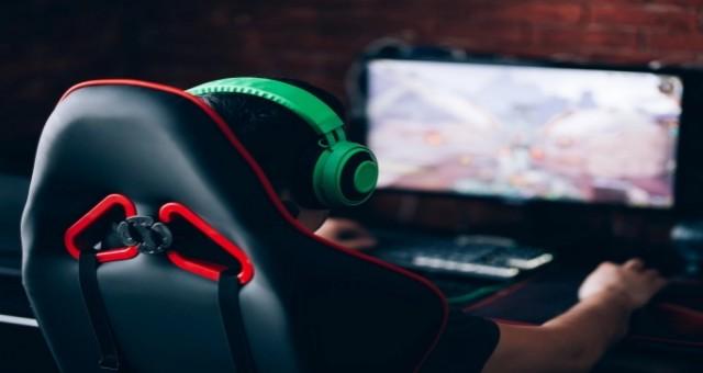 Çocukların çevrimiçi oyun bağımlısı olmasını engellemeliyiz