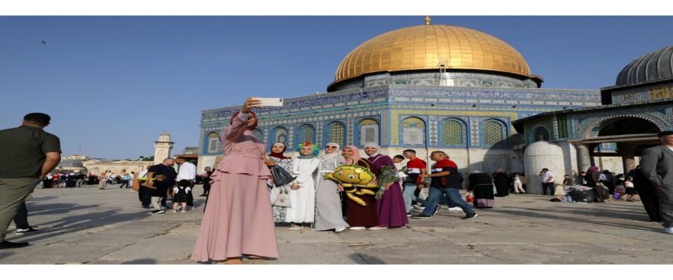 Dünyanın dört bir yanındaki Müslümanlar Kurban Bayramı'nı kutluyor